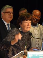 3 Liliane reçoit la médaille du Département