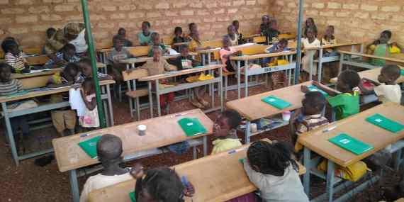 120 Les élèves retournent en classe